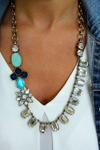 J CREW INSPIRED SHADES OF BLUE CRYSTAL STATEMENT NECKLACE $35.00