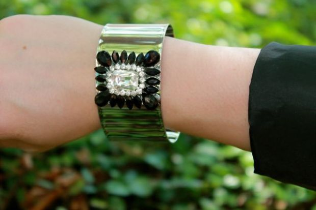 SHOUROUK INSPIRED BLACK & WHITE CUFF $23.00