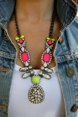 JC INSPIRED ELECTRIC SHOCK STATEMENT NECKLACE $28.00