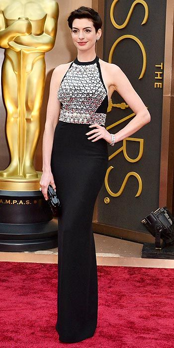 Anne Hathaway in Gucci.