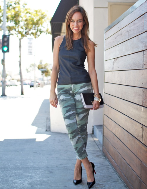 Sydne-Style-black-express-minus-the-leather-tank-camo-jeans-cookie-johnson-army-chic-trend