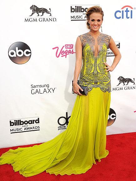 Carrie Underwood in Oriett Domenech.