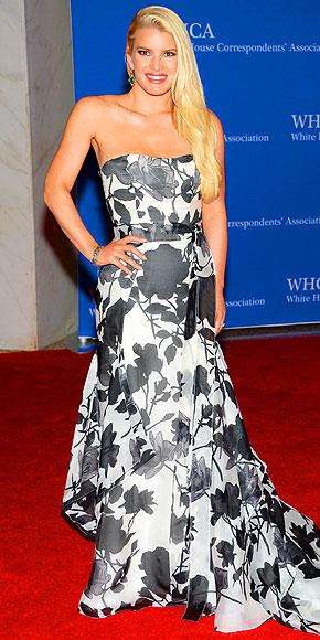Jessica Simpson in Carolina Herrera.
