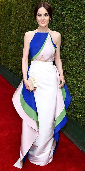 Michelle Dockery in Rosie Assoulin.